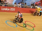 Anna Meares of Australia (R) wins her heat against ayono Maeda of Japan in the Women's Sprint Track Cycling 1/16 Finals on Day 9 of the London 2012 Olympic Games at Velodrome on August 5, 2012 in London, England.