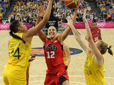 Elizabeth Cambage (L) and Australian forward Rachel Jarry (R) challenge US guard Diana Taurasi during the London 2012 Olympic Games women's semifinal basketball game bewteen Australia and the USA on Day 13 of the London 2012 Olympics Games at North Greenwich Arena on August 9, 2012 in London, England.