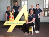 SYDNEY, AUSTRALIA - AUGUST 05: Athletes (L-R) Torah Bright, Liz Cambage, Holly Lincoln-Smith and Alicia Quirk pose with Kerry Stokes, Chairman of Seven West Media, during the Two Years To Go countdown ahead of the 2016 Rio Olympic Games at Museum of Contemporary Art on August 5, 2014 in Sydney, Australia. (Photo by Mark Metcalfe/Getty Images)