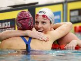 Emily Seebohm (R) celebrates winning the Women's 200m Backstroke Final over Madison Wilson (L) during day seven of the Australian National Swimming Championships on April 9, 2015.