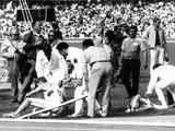 Mexico 1968: Two athletes fall victim to the high altitudes of the Games.