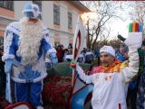 The Torch is met by Ded Morez, a ficitonal Russian character known as Old Man Frost - in Vologda.