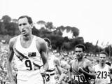 Rome 1960: Australia's athletics hero Herb Elliott runs in the 1500m race and takes home the gold medal.