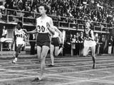Helsinki 1952: Australia's 'Lithgow flash' Marjorie Jackson wins the women's 100m final with a record time of 11.5 seconds.