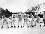 Chamonix 1924: A group of American skaters practising for their event.