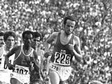 Munich 1972: Lasse Viren (#228) of Finland on his way to the gold medal in the men's 10,000m.